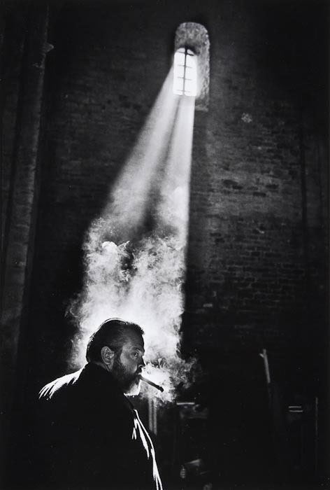 Orson-Welles-Filming-CHIMES-AT-MIDNIGHT-by_Nicolas_Tikhormiroff
